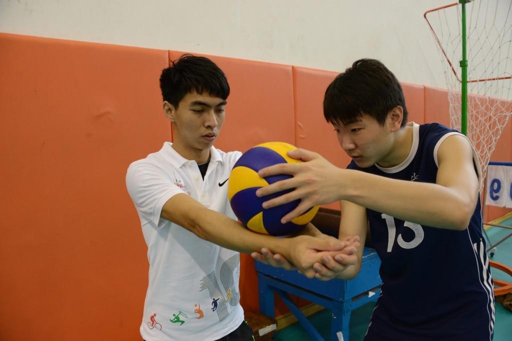 Teaching volleyball basic skills | 教授排球基本技術